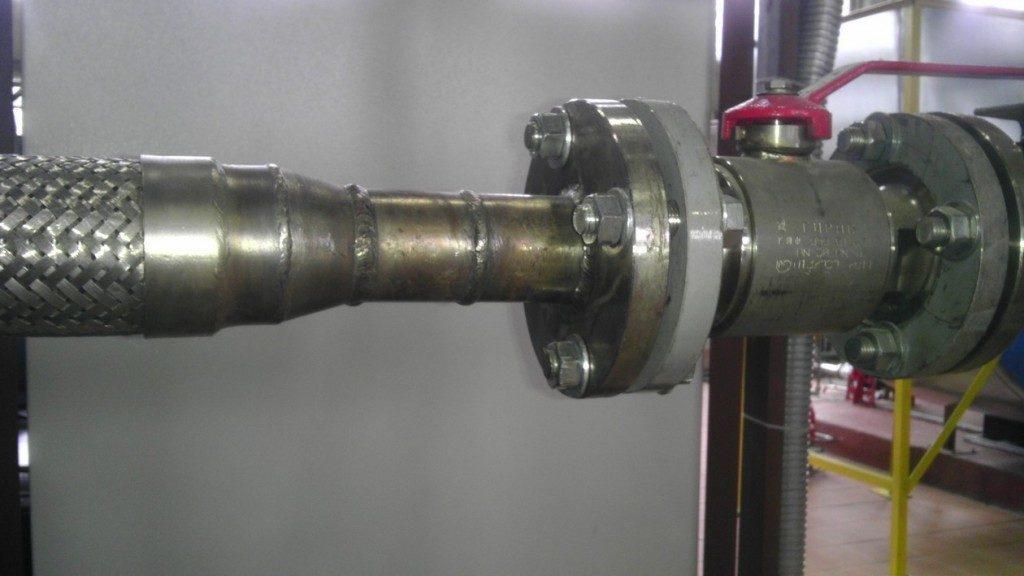 Шаровый кран и металлорукав